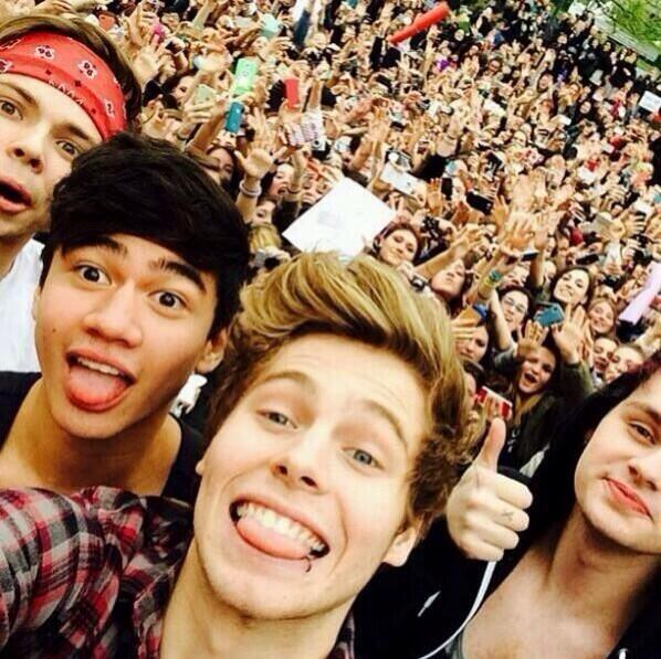 5 seconds of summer, 5sos, ash and ashton irwin