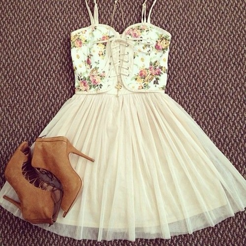 summer, floral, dressy, outfit, fashion, floral bustier, white, girly