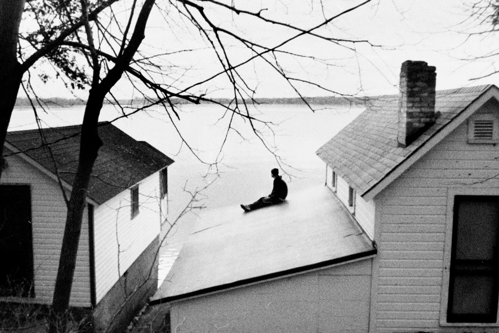 bad, alone, terror, sad, ocean, ugly, house, black and white