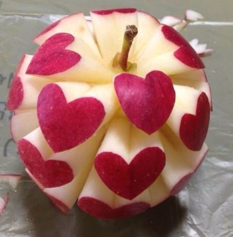 apple-eat-fashion-heart-Favim.com-2055221