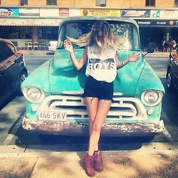 blue, boy, cars, cool, ed, girls, heals, hot, old car, photography, pink, short