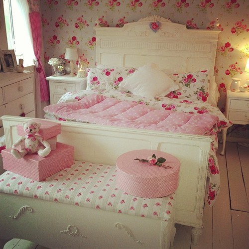 amazing, awesome, beautiful and bed