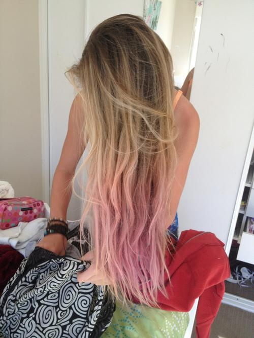 Pastel blonde ombre hair