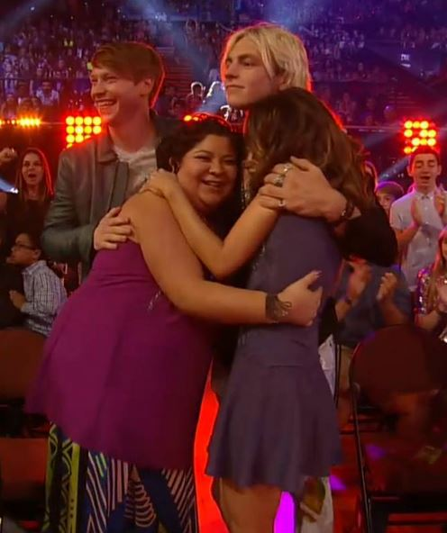 Austin And Ally 2015 Kiss