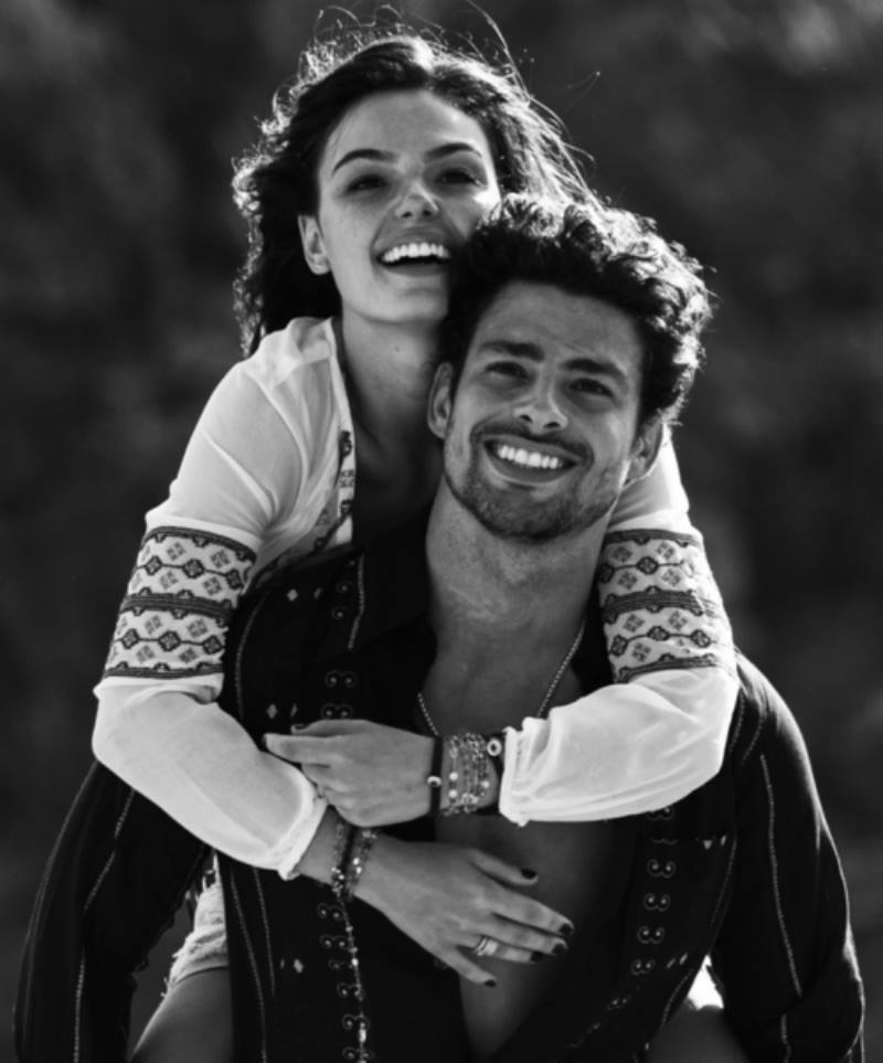 black and white, couple, cute, hug, isis valverde, love, novela, caua reymond