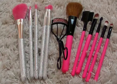 girly stuff, makeup brushes, pink collection and love makeup