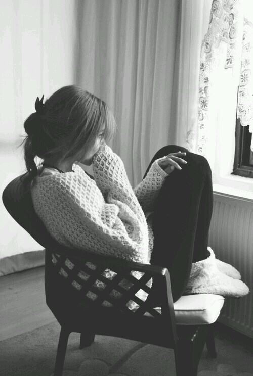 http://s2.favim.com/orig/150716/alone-black-and-white-depression-girl-Favim.com-2967992.jpg