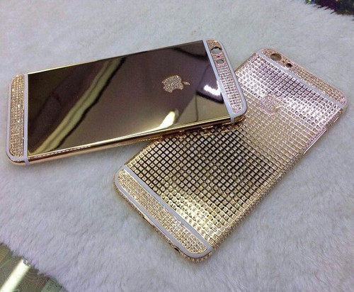apple, bling bling, cases, diamonds, girl, girls, goals, gold, home, iphone, iphone case, love it, reflect, reflection, stunner, stunning, tumblr, white, apple products, apple iphone, iphone 6
