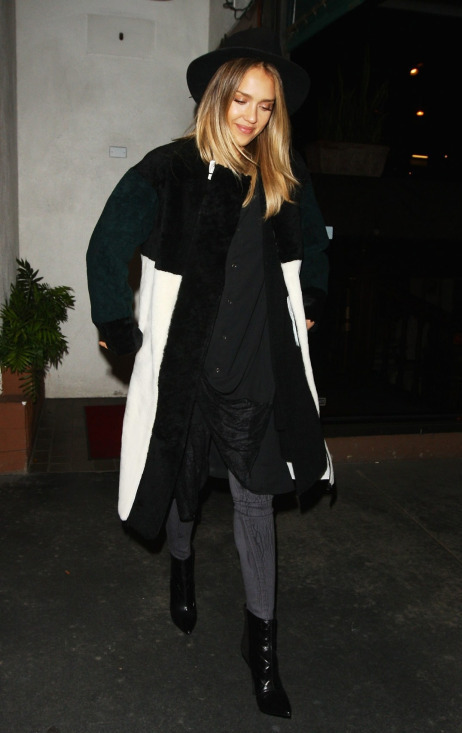 black, blonde, clothes, fashion, girl, hair, hat, jacket, jessica alba, outfit, style