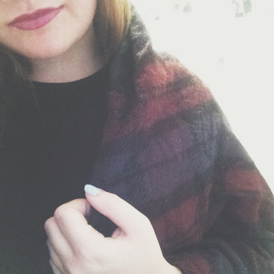 autumn, autumnal, black, dark, fall, girl, grunge, lips, lipstick, nails, outfit, pretty, purple, red, scarf, tumblr, ootd