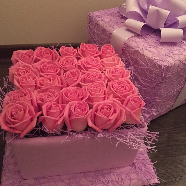 flowers, gift, glamorous and pink