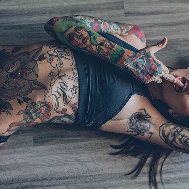 brunette, flat stomach, navel piercing, owl, ribs, spider, tattoo