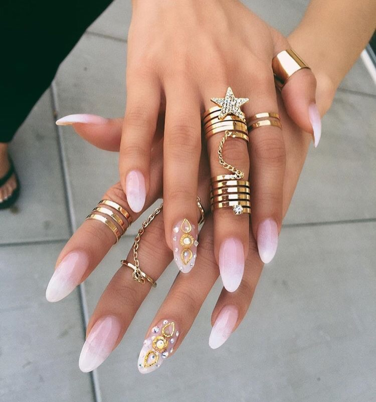 Almond Acrylics / Short Acrylic Nails That Are Just As