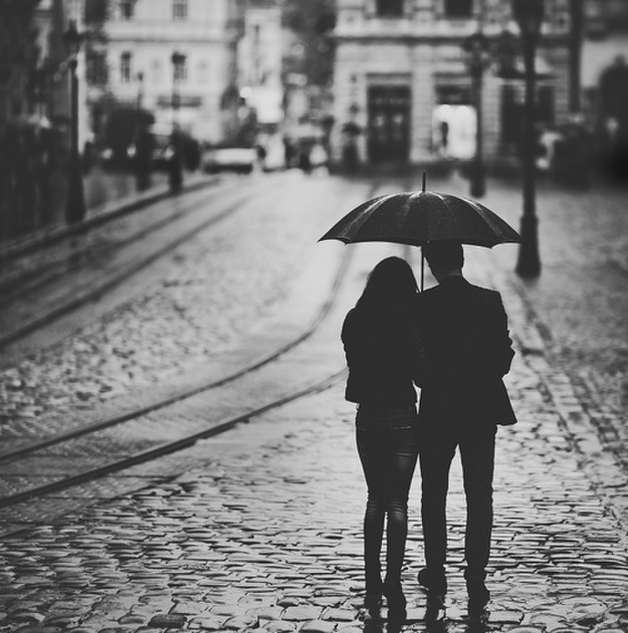 blac, black, black & white, black and white, boy, boys, boyz, couple, cute, door, girl, girls, girlz, gray, hair, heart, heart this, jacket, jeans, kiss, light, people, rain, roud, shirt, shoe, shoes, tree, umbrella, white