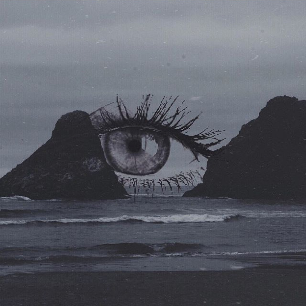 aesthetic, cliffs, eye, good vibes, grunge, makeup, nature, pale, photography, sea, stay positive, style, tumblr, vintage, waves