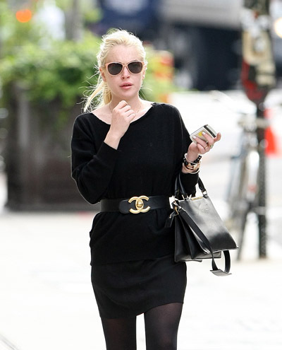 actress, beautiful, black, black dress, blond, chanel, chanell, cute, dress, famous, fashion, lindsay lohan, pretty, star, street style, style, sunglasses