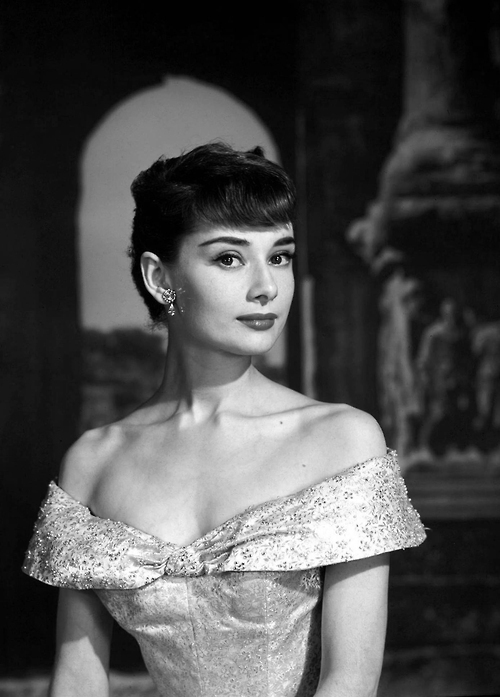 White floral Givenchy dress of Audrey Hepburn - Wikipedia