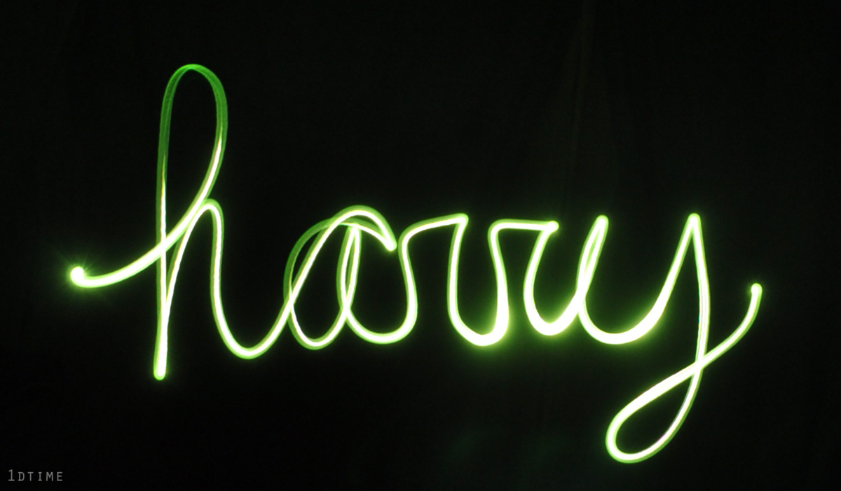 http://s2.favim.com/orig/29/green-harry-styles-light-painting-mccdefenders-one-direcion-Favim.com-241619.jpg