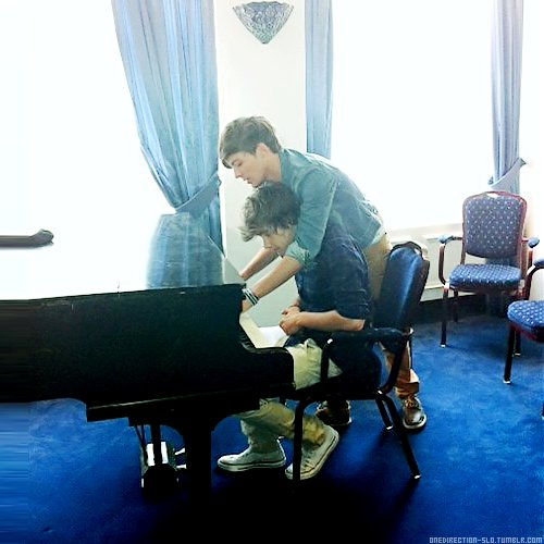 liam payne, louis tomlinson, one direction, piano