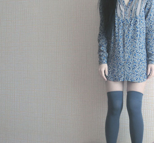 asia, asian, black hair, brunette, floral, gal, gyaru, high socks, legs, porcelain, skinny, socks, thin, thinspiration, ulzzang, vintage, white skin