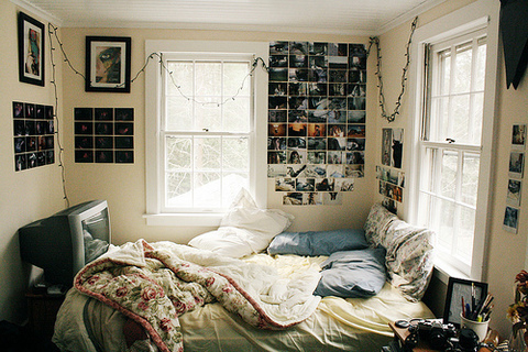 bed bedroom posters room  bed bedroom posters room image 245042 on. Posters In Bedroom