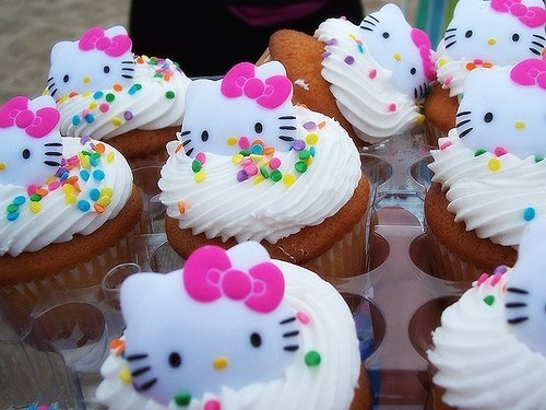 bow, cupcakes, cute, dessert, hello kitty, pink, pretty, yummy