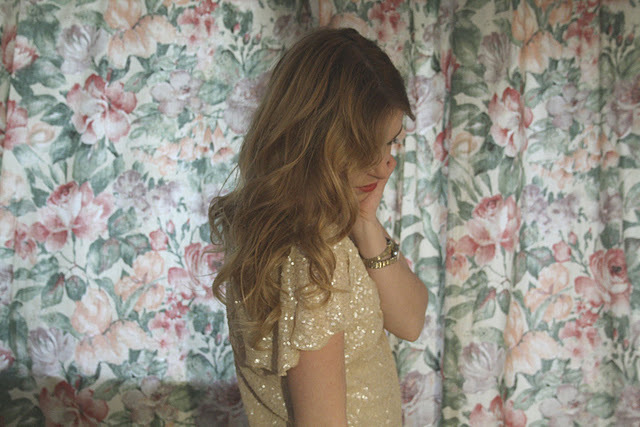 fashion, flowers, girl, glitter, gold