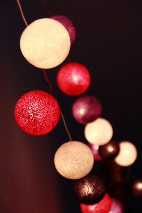 ball, balls, bed, bedroom, christmas, cute, design, lamo, light, lights, lila, nice, pink, purple, rosa, schoen, violet, wall, weiss, white, winter, x-mas, xmas