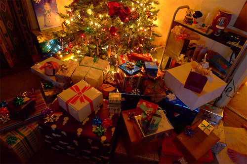 bed, christmas, christmas tree, cute, gifts