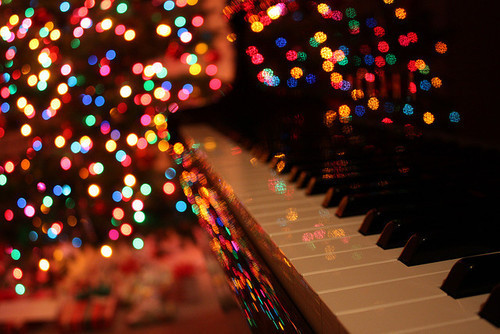 bokeh, cheer, christmas, happy, holiday, lights, luminous, music, photography, piano, santa, snow, winter