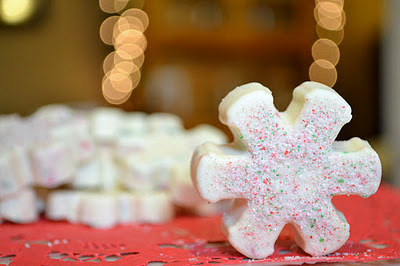 candy canes, christmas baking, easy, no-bake, peppermint bark