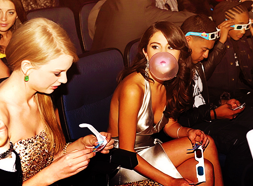 3d glasses, awards, beautiful, bubblegum, selena gomez, taylor swift