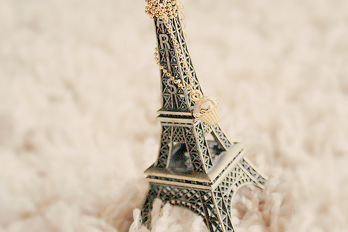 acsessorizes, ballerina, bed, cities, cool, cute, delicate, girl, girly, great, paris, pastel, pink, pretty, tour eiffel, vogue, want