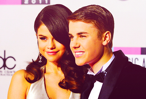 adorable, american music awards, boy, couple, cute, fashion, girl, justin bieber, kiss, love, selena gomez, smile