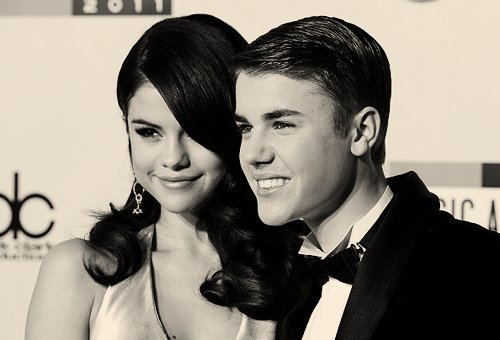 adorable, american music awards, boy, couple, cute, fashion, girl, justin bieber, love, selena gomez