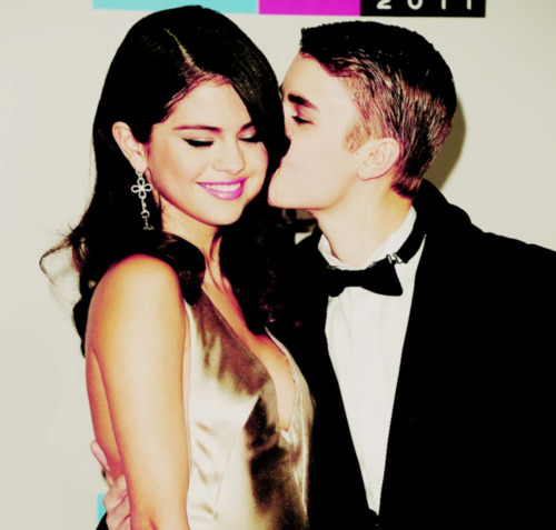 adorable, american music awards, boy, couple, cute, fashion, love, jelena, selena gomez, kiss, girl, justin bieber