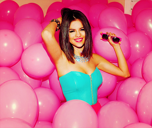 adorable, balloons, black and white, cute, girl, happy, photography, pink, pretty, selena gomez, shades, smile