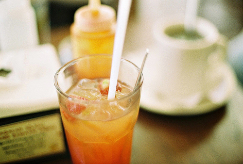 alcohol, bar, beautiful, breakfast, citron, cocktail, coffe, coffee, coffee shop, delicious, drink, hipster, indie, light, lunch, orange, photo, photography, wood, yellow
