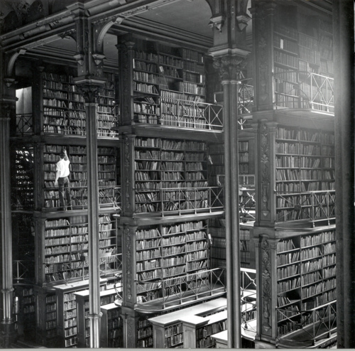 anaqueles, black & white, books, cincinnati library, library