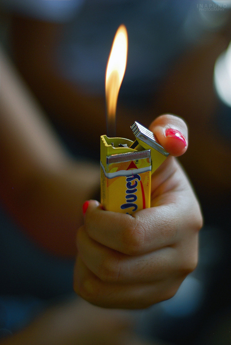 awsome, cool, fire, funny, gum, juicy fruit, lighter, lighter gum, moking, photography, pretty, smoke