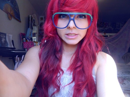beautiful, cute, girl, glasses, hair, iliikeplasticforks, long, long hair, pink, pink hair, pretty, red, red hair