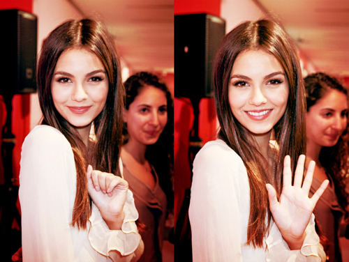 beautiful, smile, victoria justice