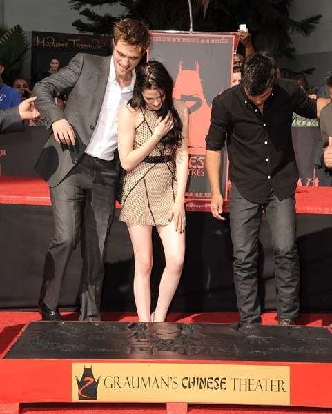 breaking dawn, kristen, robert, taylor, twilight