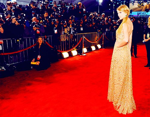 *follow me, ama, ama 2011, blond, celebrity, cute, eyes, girl, makeup, pink diva, pretty, taylor swift