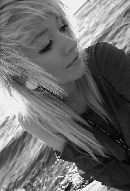 alternative, alternative girl, b&w, beach, black and white