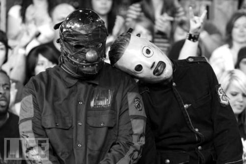band, beautiful, black and white, boy, boys, concert, corey taylor, crowd, cute, friend, friends, fun, funny, guy, guys, handsome, happy, love, man, people, shawn crahan, show, slipknot, vocalist