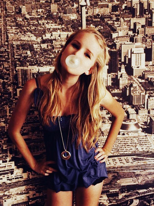 beautiful, beauty, blonde, bubble, bubble gum, chewing gum, cute, girl, gum, hair, photography, pretty, style