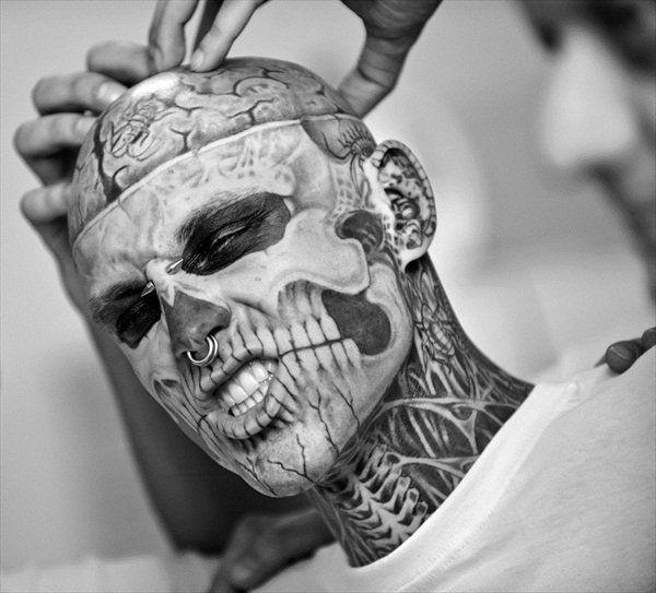 beautiful, black & white, black and white, boy, fashion, guy, hot, male, man, model, photo, pretty, rick genest, seeexyyy, sexy, skull, style