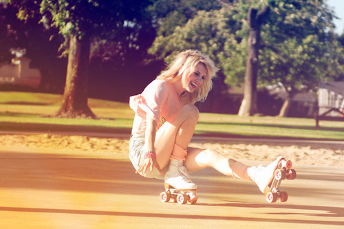 beautiful, blonde, blondy, cute, girl, pretty, roller skater, smile