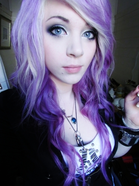 beautiful-eyes-girl-lavander-hair-purple